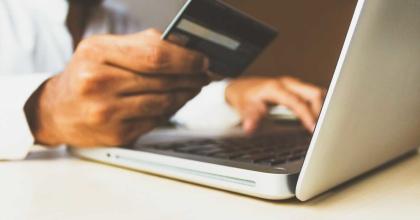 rupixen online shopping laptop unsplash