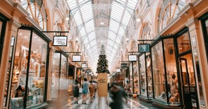 heidi fin melbourne shopping centre prepared for christmas