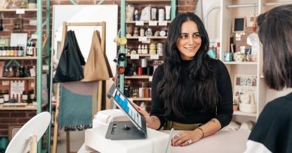 copy of merchant showing customer ipad 4460x4460 edit